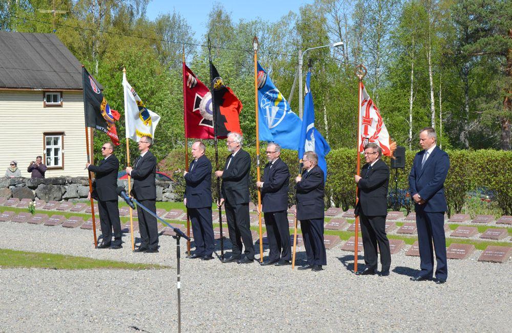 Kaatuneitten muistopäivän 1. lippulinna 2018